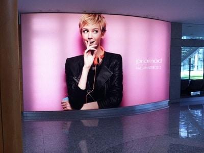 Графичен дизайн светеща реклама